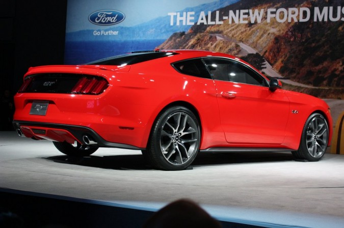 2015 Ford Mustang (16)_1024x680