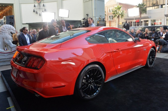 2015 Ford Mustang (9)_1024x680