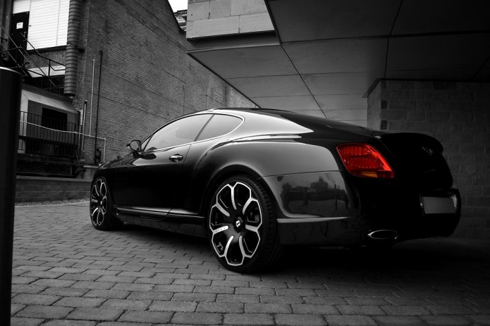 project kahn bentley gts black edition rear quarter