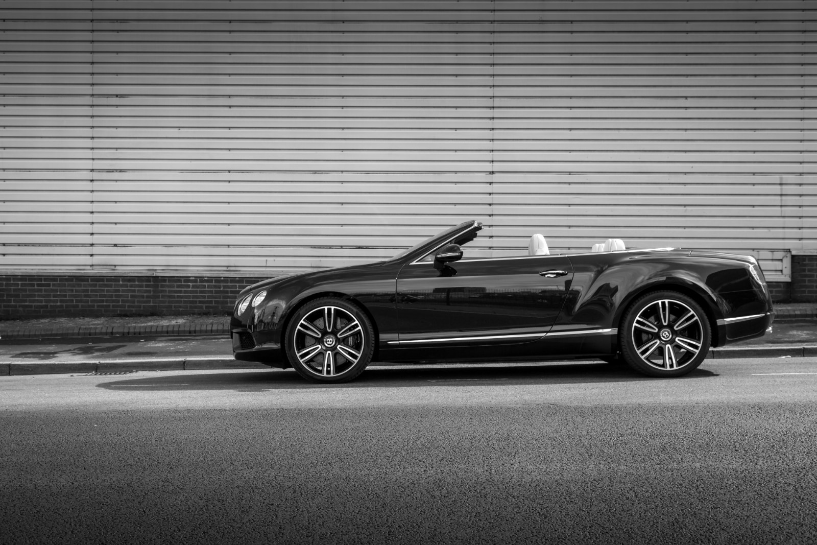 Bentley continental gt v8 convertible 7 day diary bentley continental gt v8 convertible vanachro Image collections