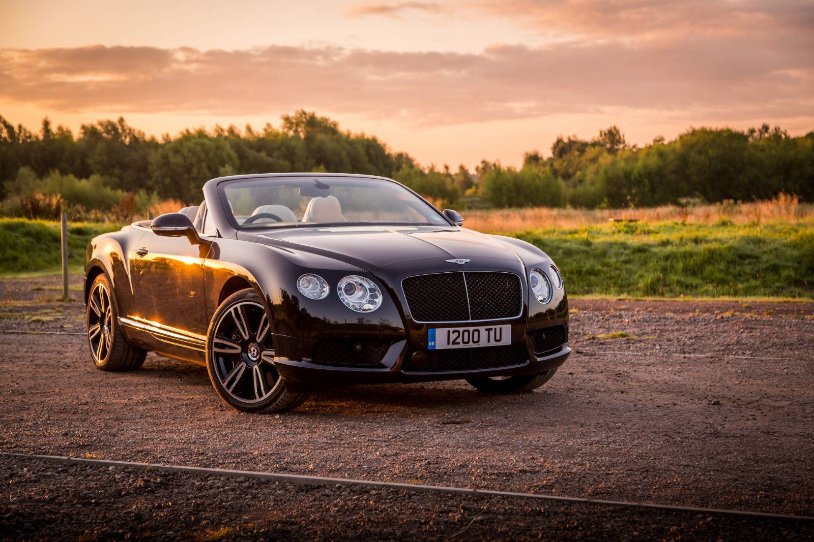 driven bentley continental gt v8 convertible review. Black Bedroom Furniture Sets. Home Design Ideas