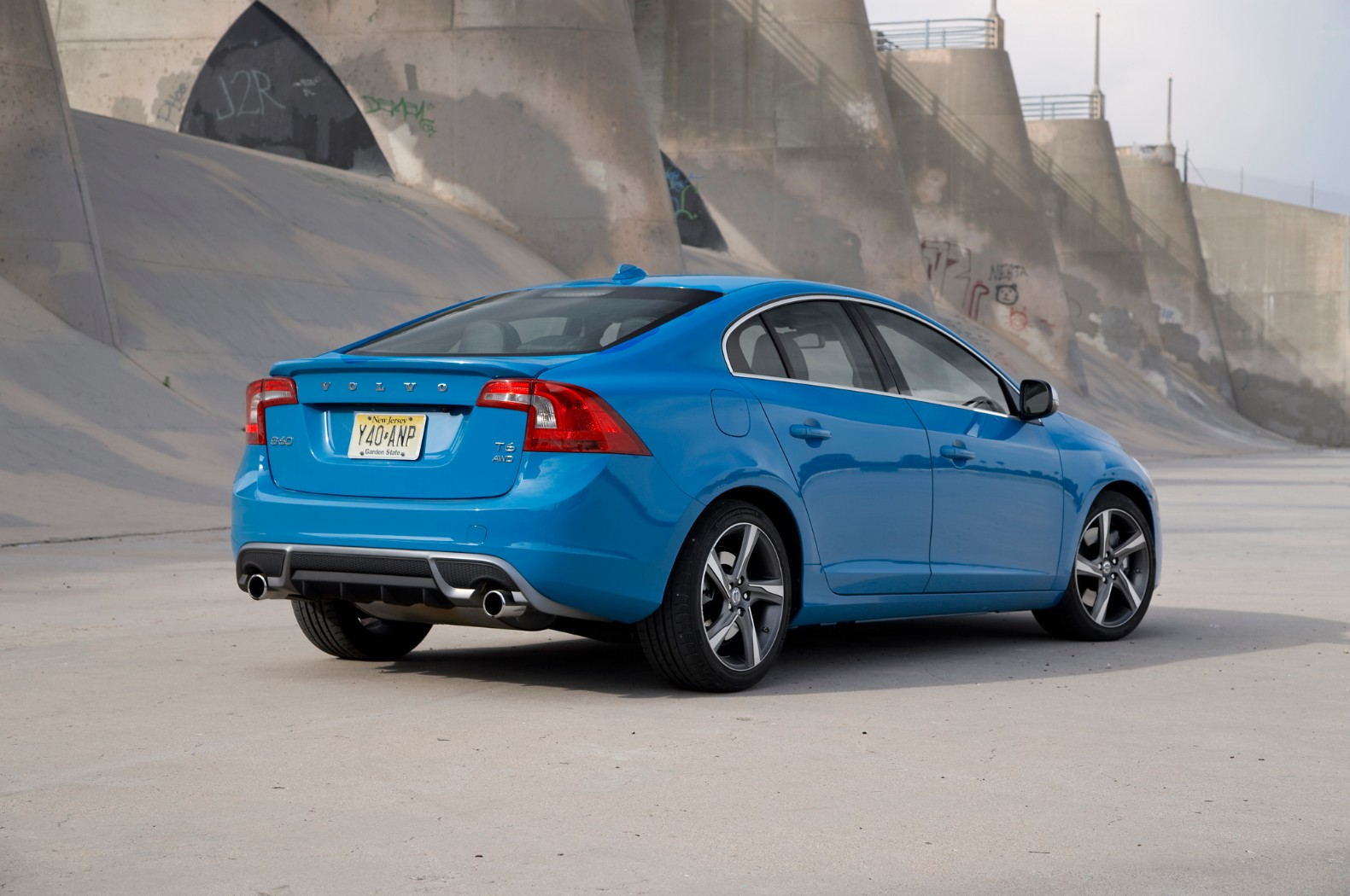Before the Test Drive Thoughts on the Blue Volvo S60 R Design