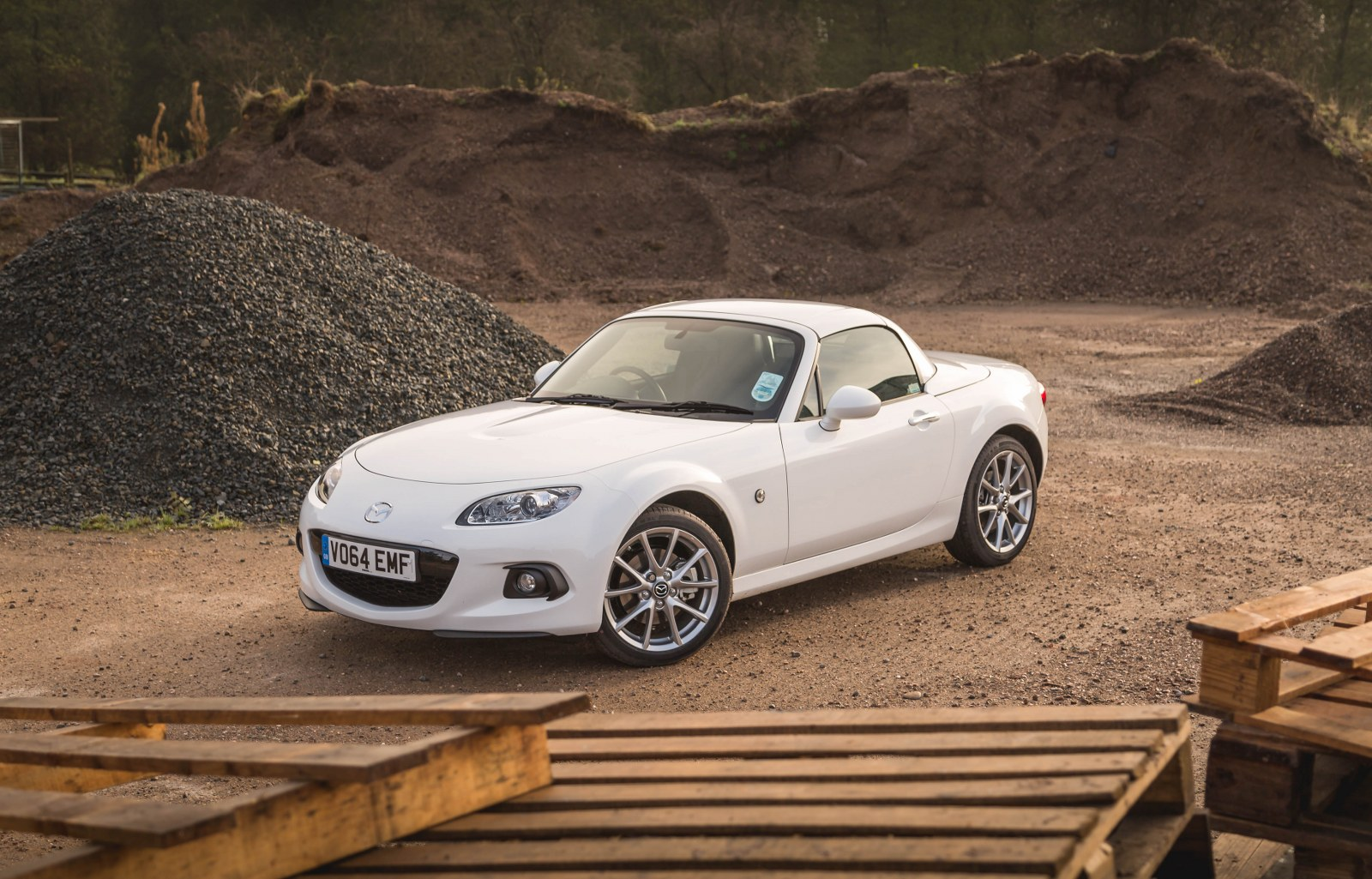 mazda mx 5 review 2014 sport coupe reviewed by motor verso. Black Bedroom Furniture Sets. Home Design Ideas
