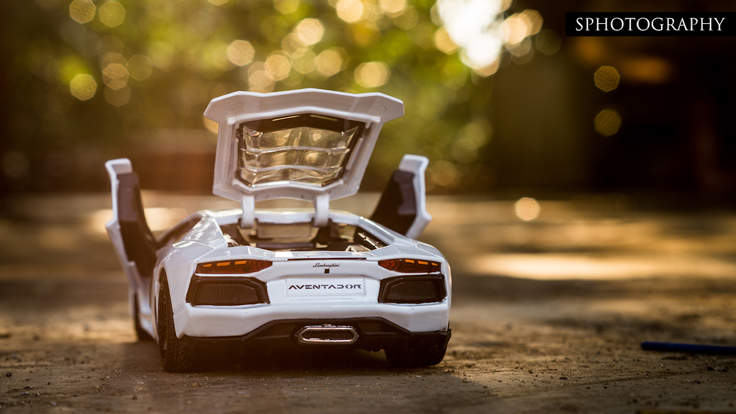 What Is The Make And Model Of A Car >> Scale Model Car Photography Insight