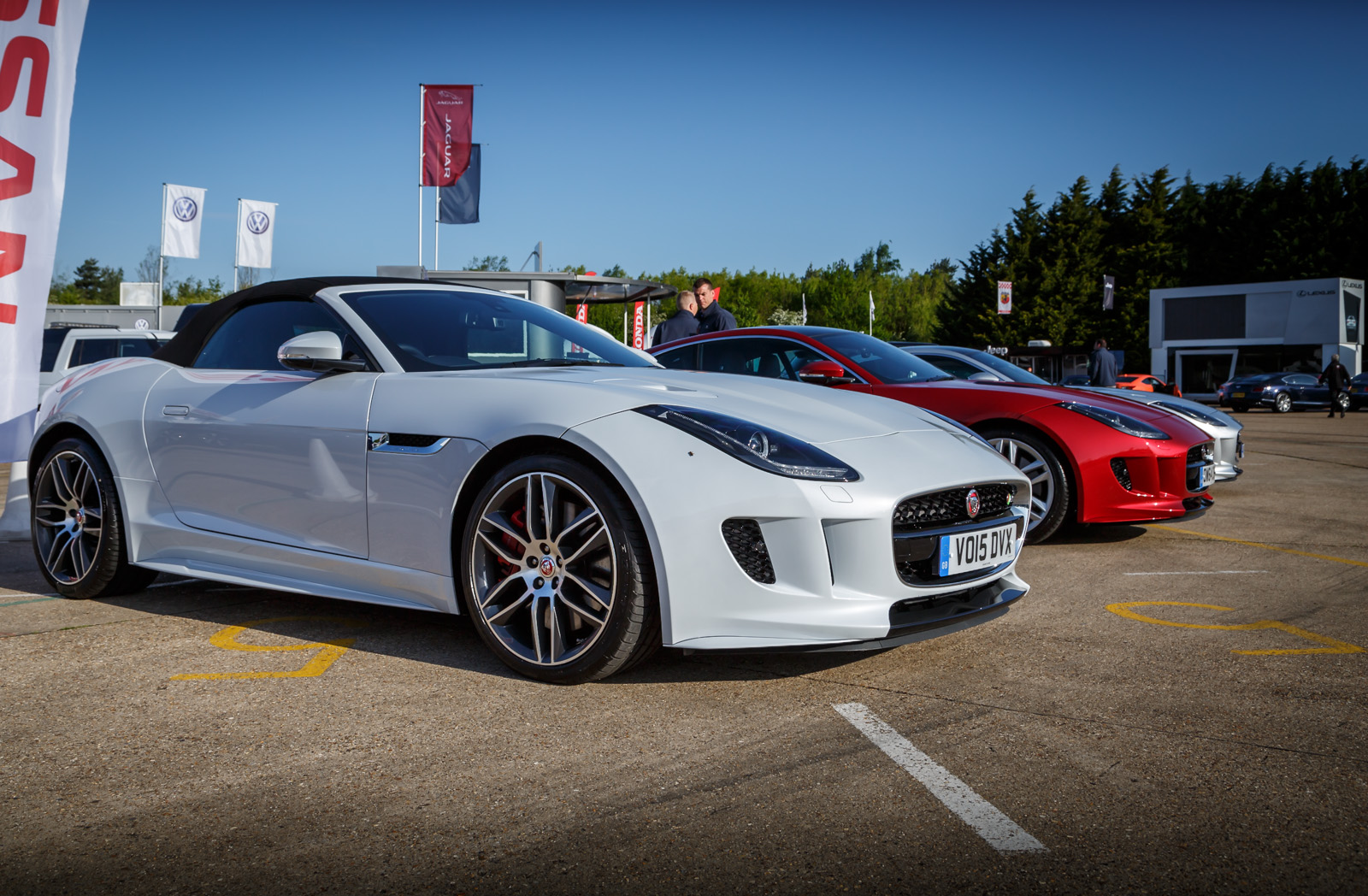 driven jaguar f type v8r coupe vs convertible. Black Bedroom Furniture Sets. Home Design Ideas