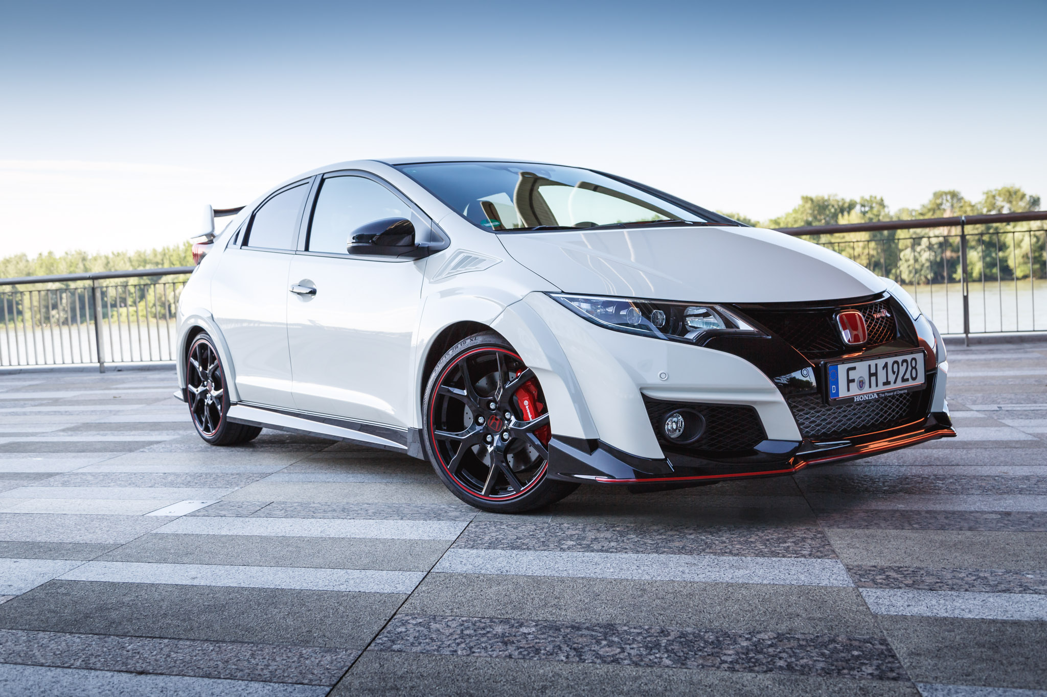2015 honda civic type r road 16. Black Bedroom Furniture Sets. Home Design Ideas