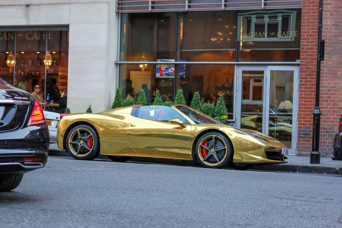 Knightsbridge Car Spotting London 24 Gold Ferrari 458