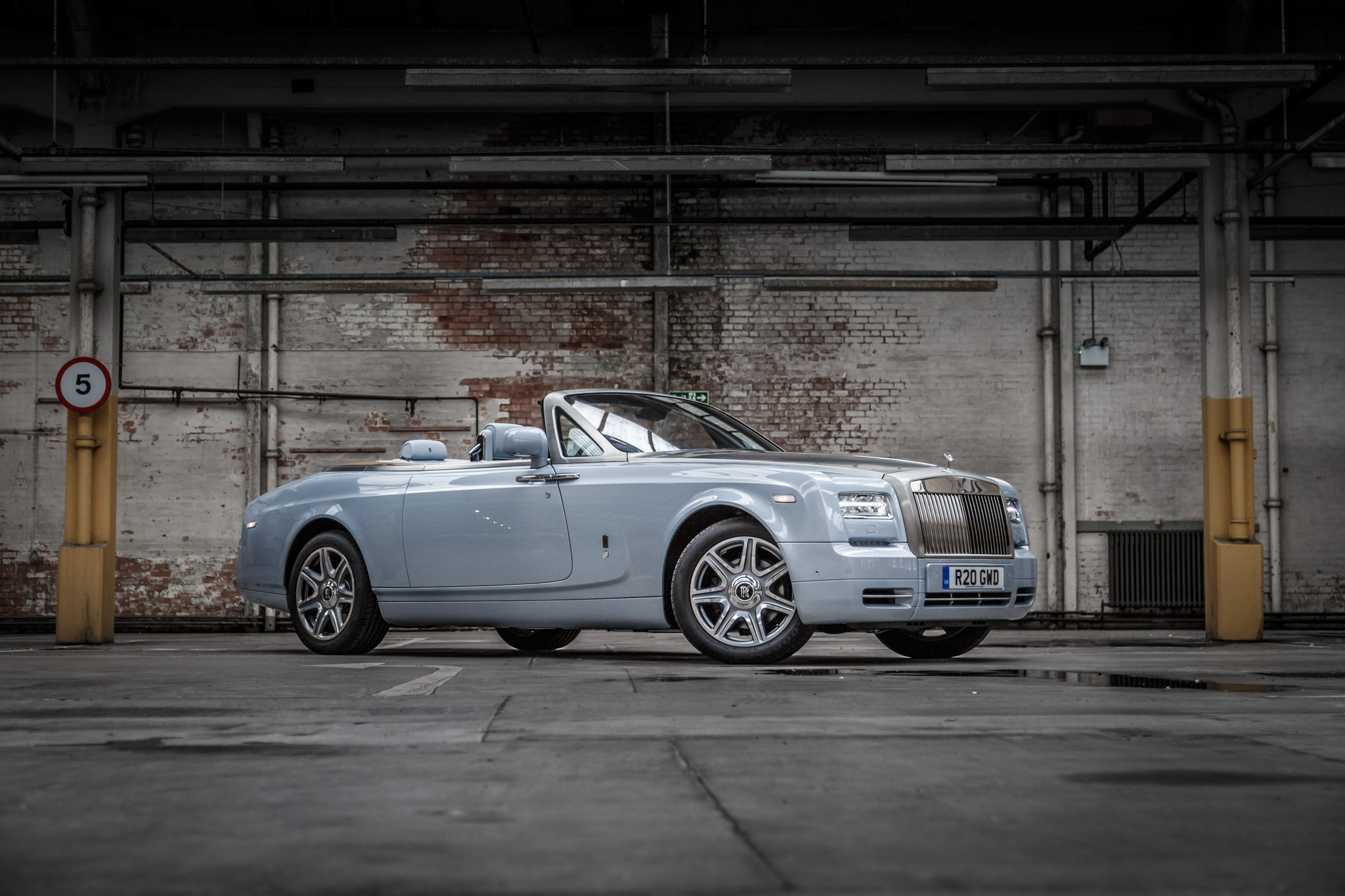 rolls royce phantom drophead coupe 2015 132. Black Bedroom Furniture Sets. Home Design Ideas