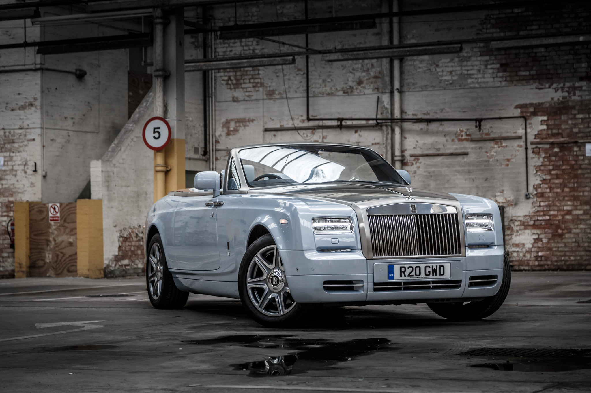 rolls royce phantom drophead coupe 2015 133. Black Bedroom Furniture Sets. Home Design Ideas