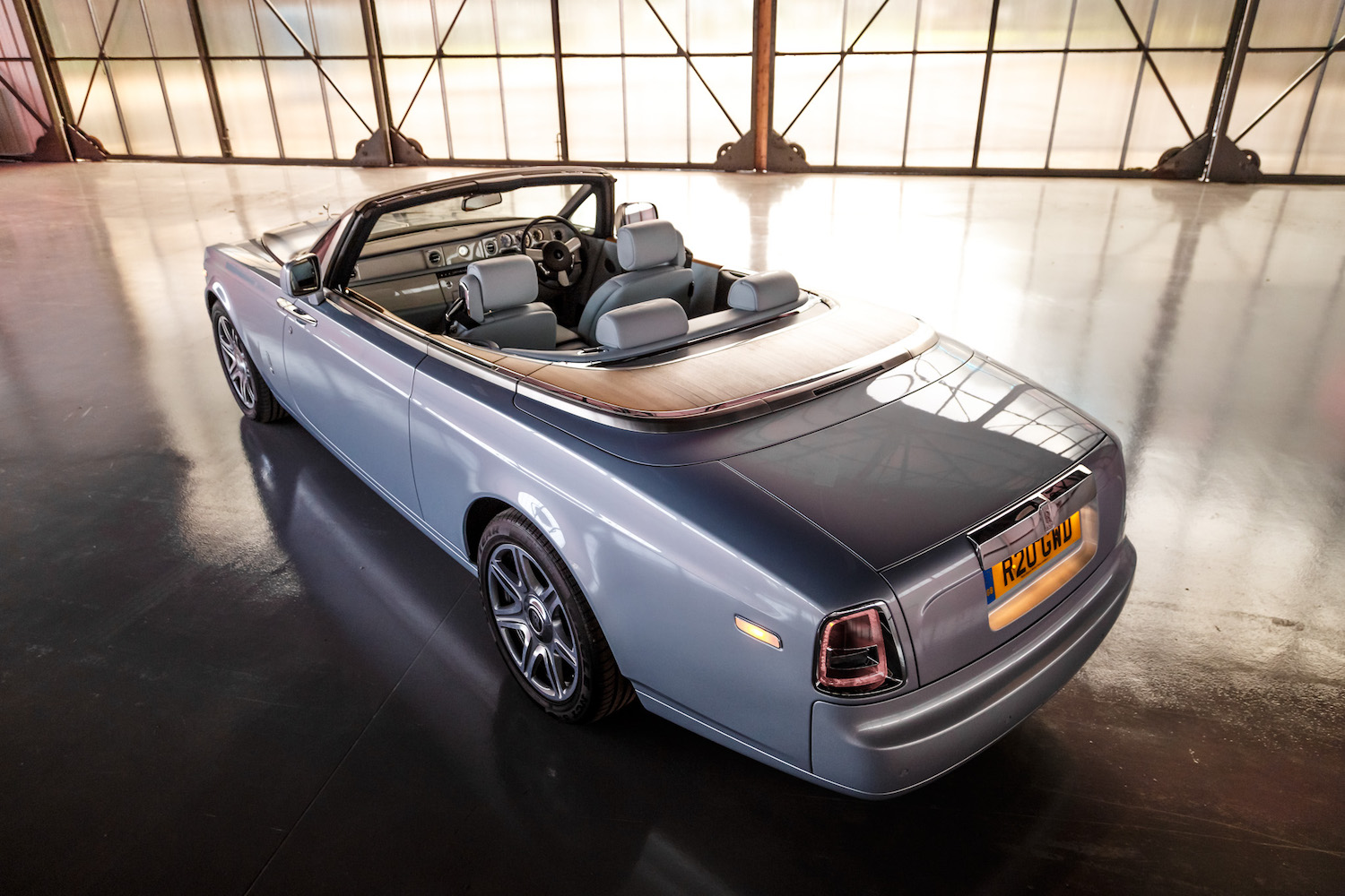 rolls royce phantom drophead coupe 2015 71 motor verso. Black Bedroom Furniture Sets. Home Design Ideas