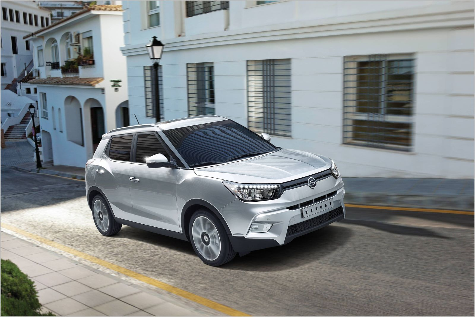 ssangyong tivoli a small car ready to smash the market learn why. Black Bedroom Furniture Sets. Home Design Ideas