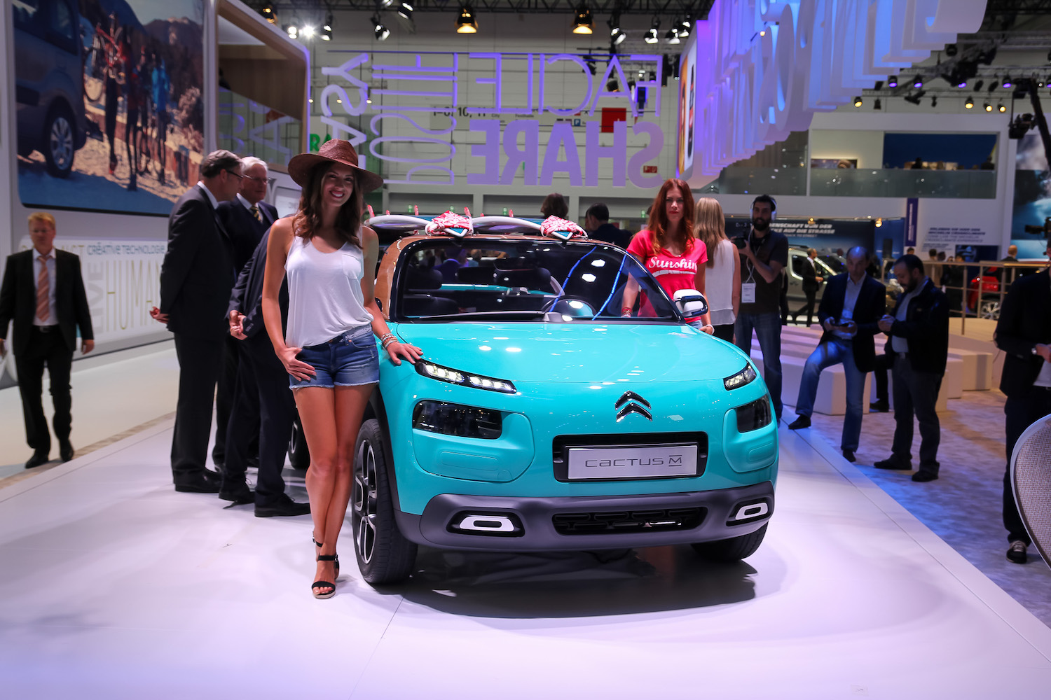 the new citroen beach buggy cactus m concept. Black Bedroom Furniture Sets. Home Design Ideas
