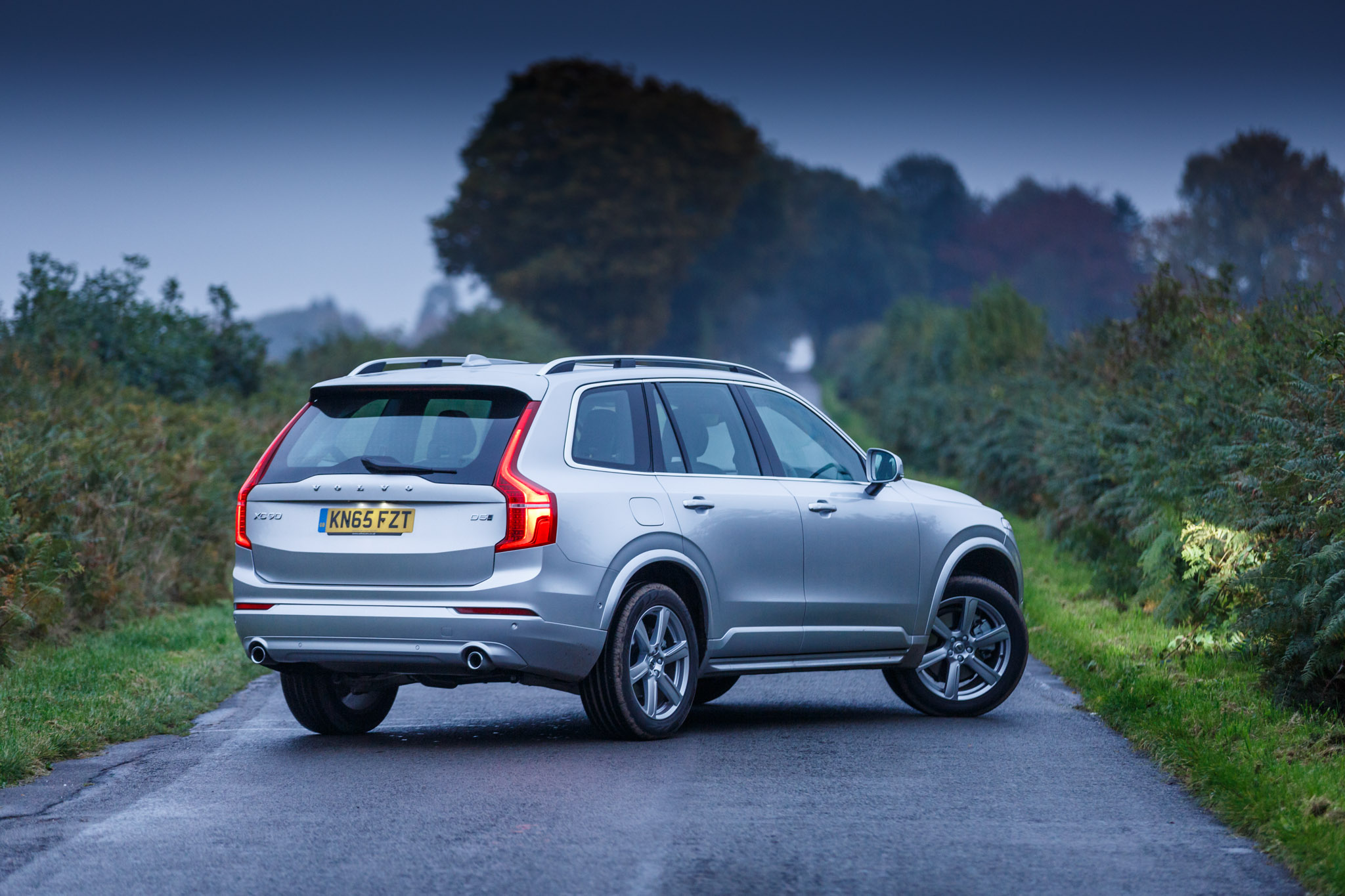 volvo xc90 d5 awd momentum 2015 gallery. Black Bedroom Furniture Sets. Home Design Ideas