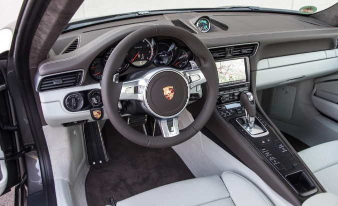 Porsche-911-Turbo-Interior