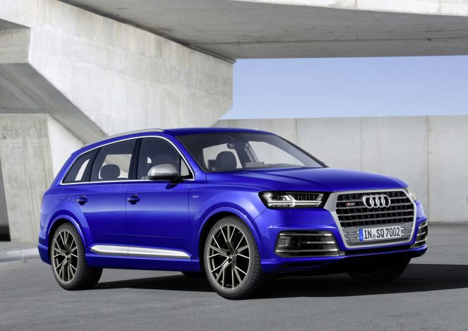 SQ7 Front Angle Static