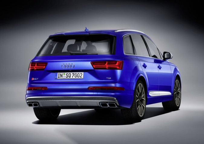 SQ7 Rear Angle Static