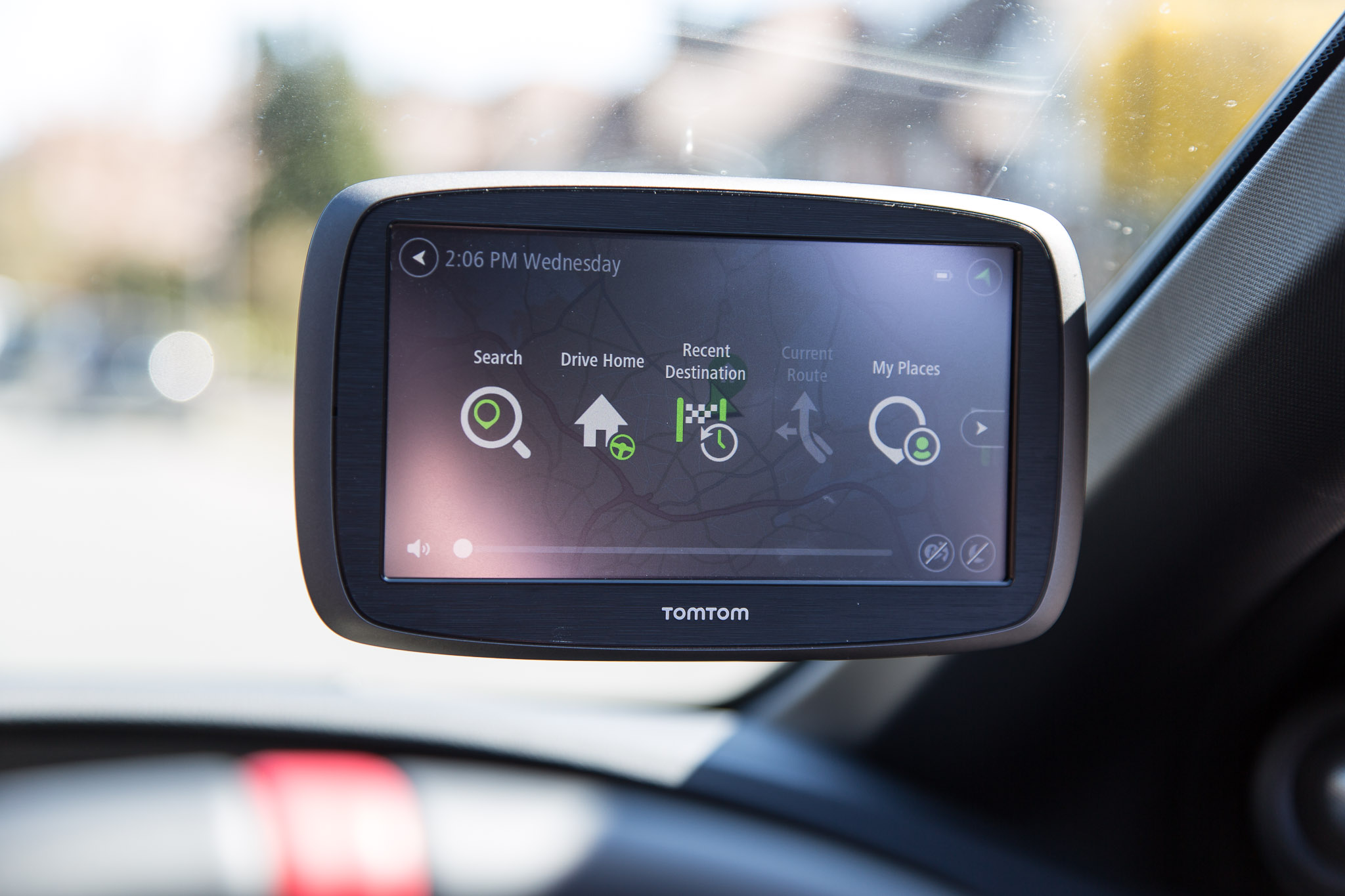 tomtom go 61 a familiar yet slightly updated sat nav. Black Bedroom Furniture Sets. Home Design Ideas