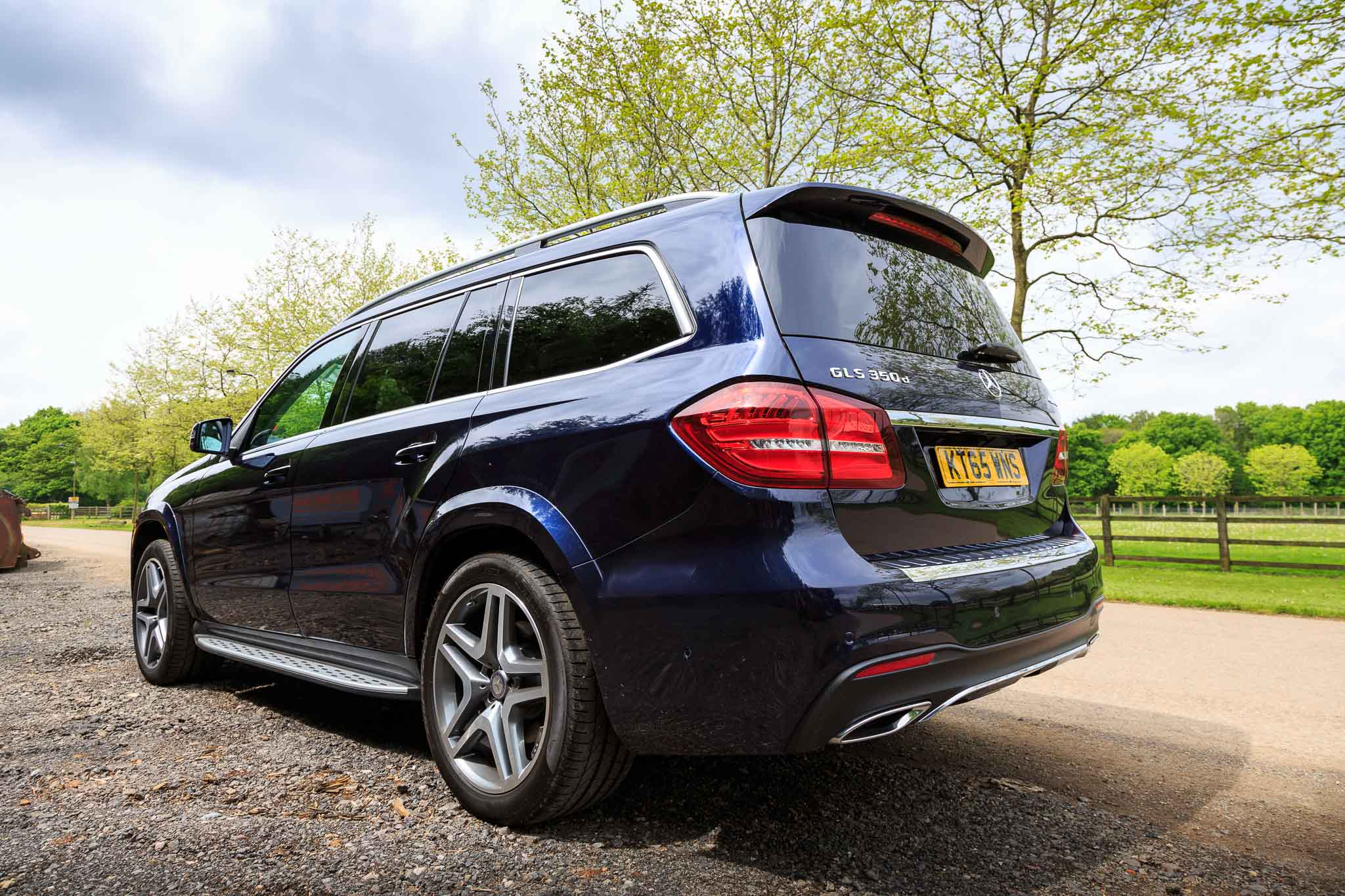 2016 mercedes gls 350d review. Black Bedroom Furniture Sets. Home Design Ideas