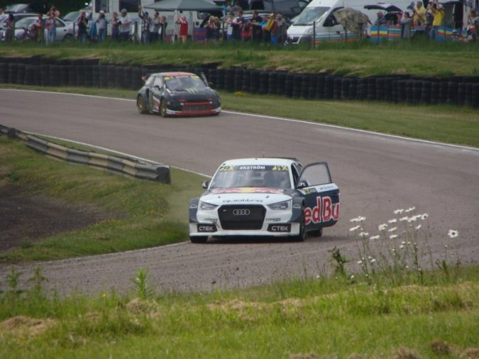 Rallycross RX Final Solberg and Ekstrom Victory Lap_800x600