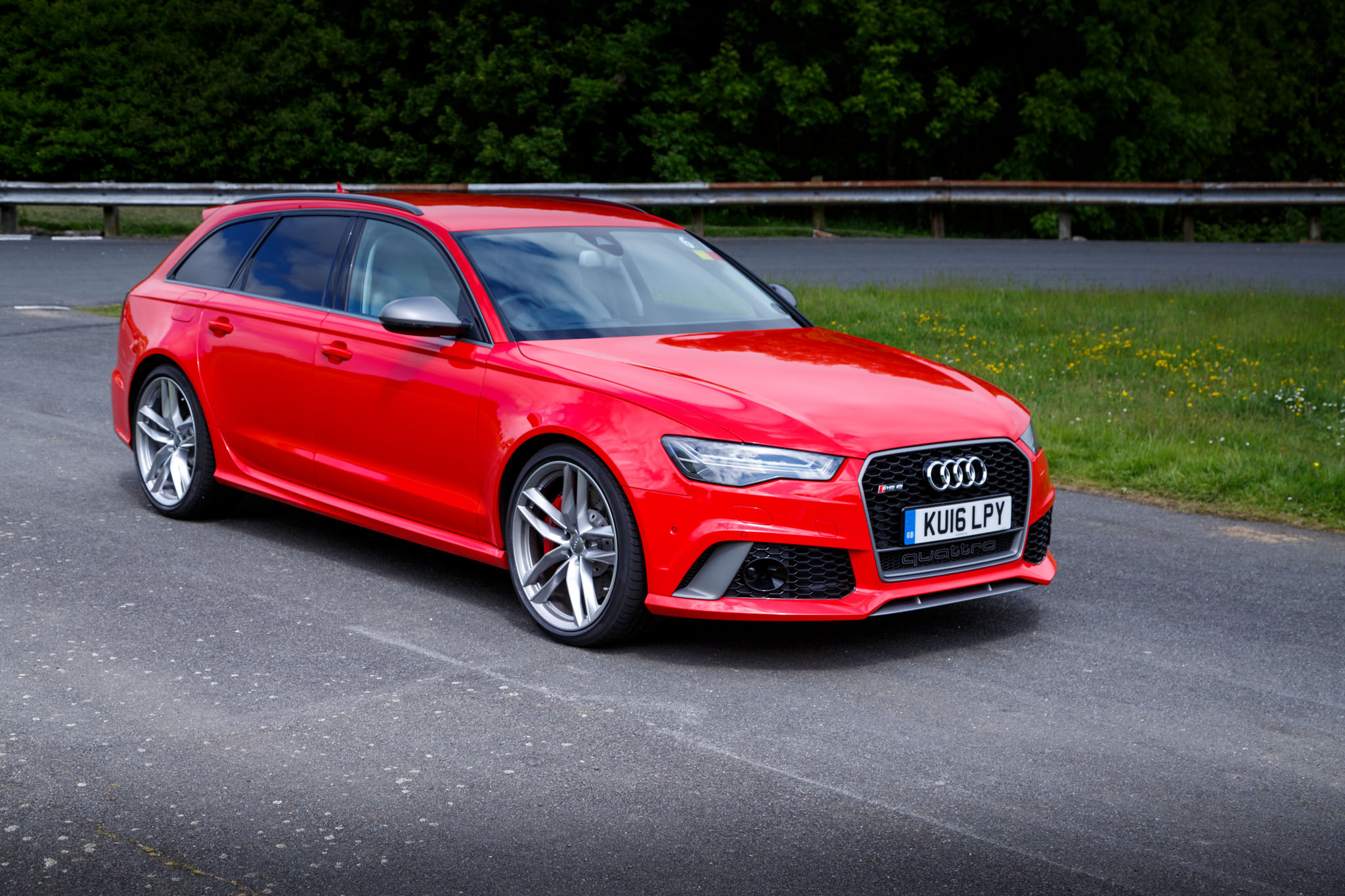 2016 Audi RS6 Avant Review
