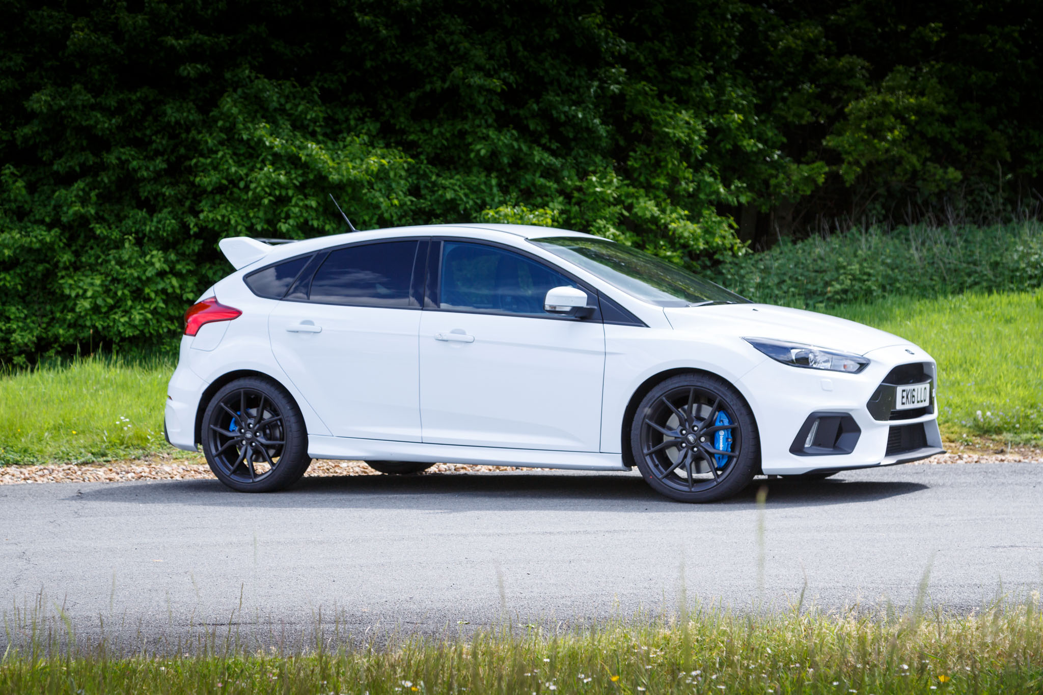 2016 ford focus rs review. Black Bedroom Furniture Sets. Home Design Ideas