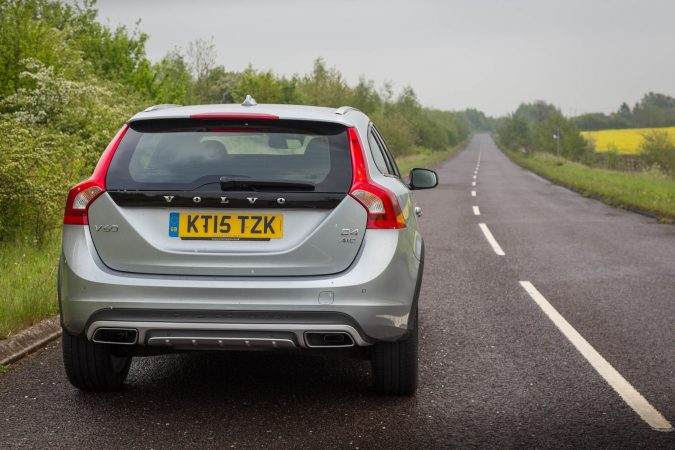 2016 Volvo V60 Cross Country D4 AWD-35