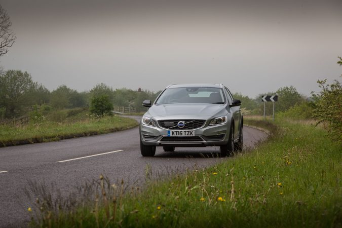 2016 Volvo V60 Cross Country D4 AWD-40
