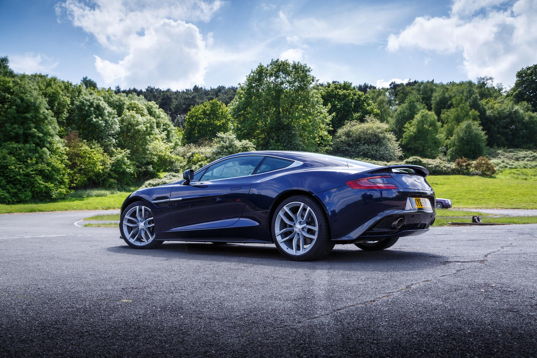 2016 aston martin vanquish review. Black Bedroom Furniture Sets. Home Design Ideas