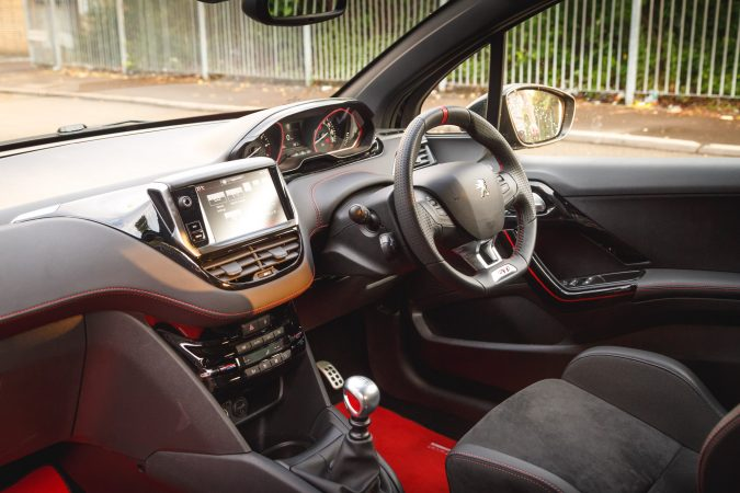 Peugeot 208 GTi by Peugeot Sport Interior