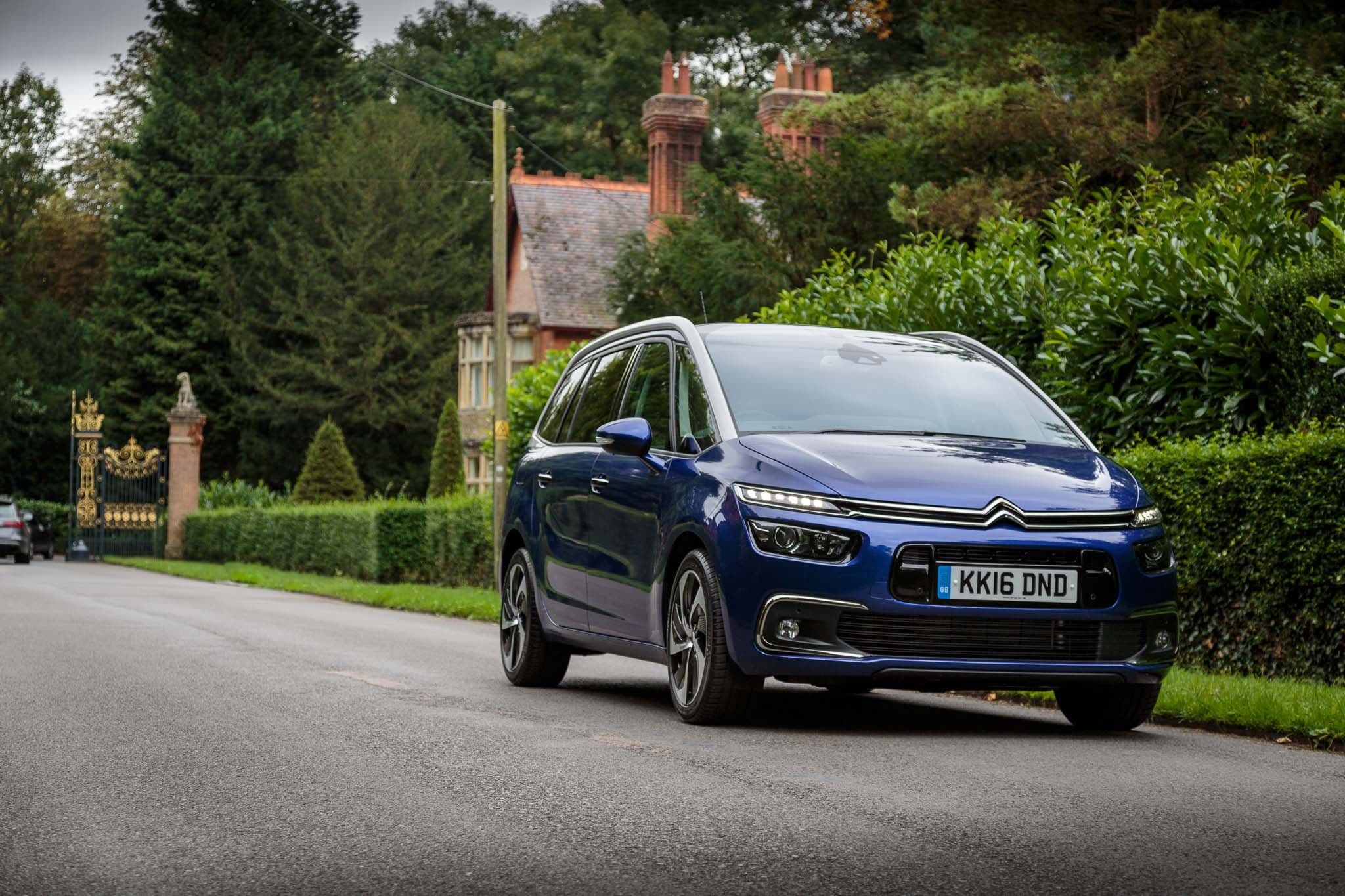 Agribank: 2016 Citroen C4 Grand Picasso Review