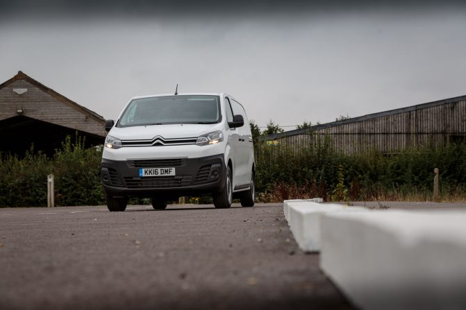 Citroen Dispatch BlueHDi 120 11