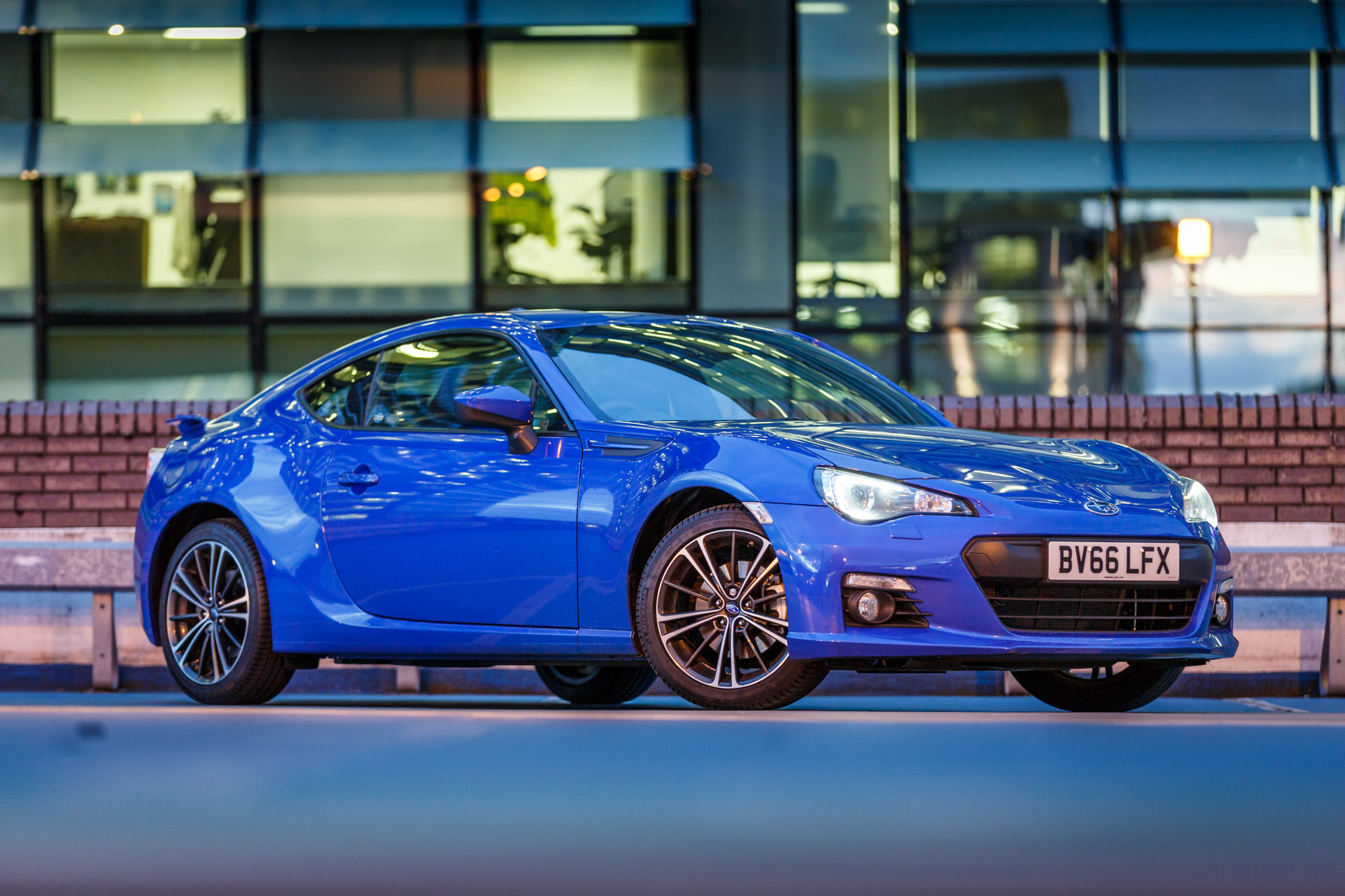 2016 Subaru BRZ 2.0i SE Review