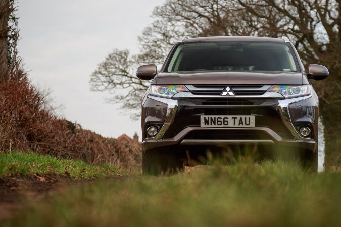 Mitsubishi Outlander GX3h Brown
