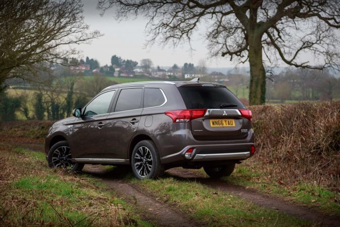 Mitsubishi Outlander GX3h+Review