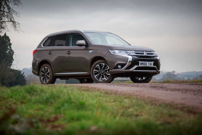 Mitsubishi Outlander PHEV GX3h MY16 Granite Brown PH 35