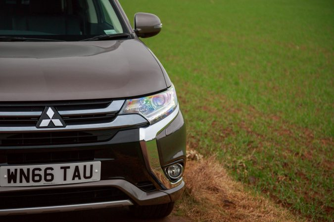 Mitsubishi Outlander PHEV GX3h MY16 Granite Brown PH 37