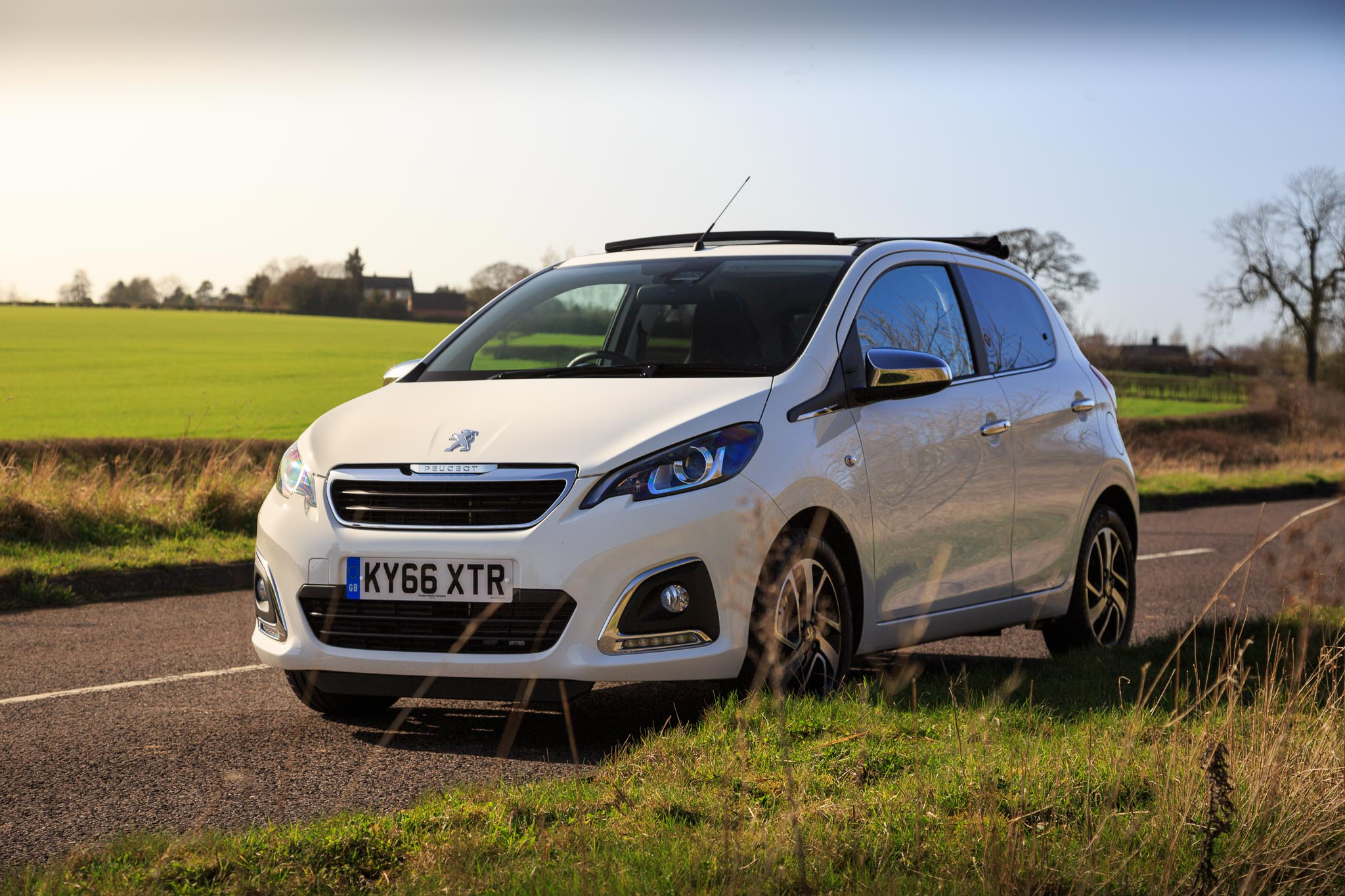 2016 peugeot 108 allure top  review