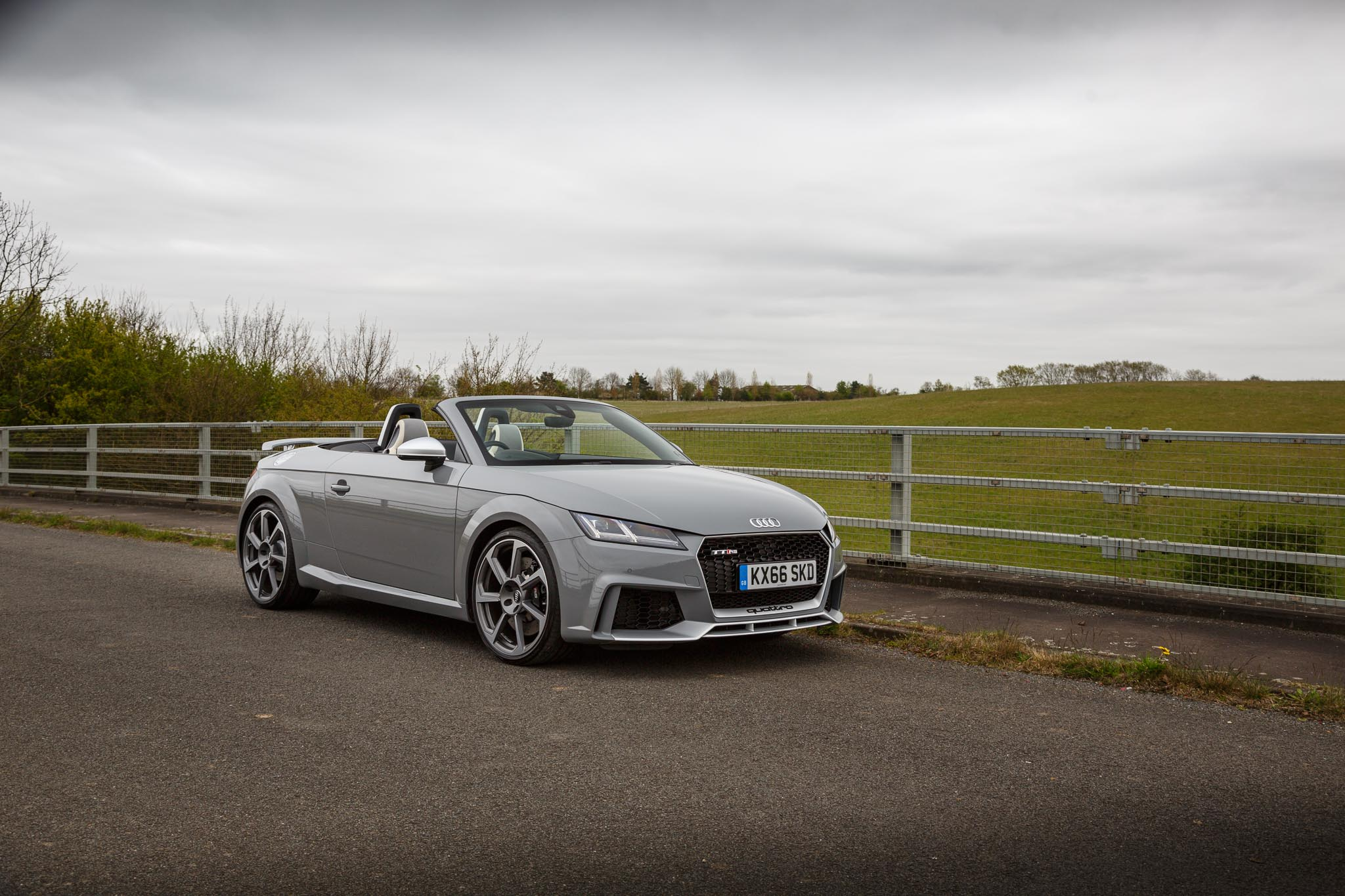 Audi Tt Rs Roadster 2 5 Tfsi Review Motor Verso