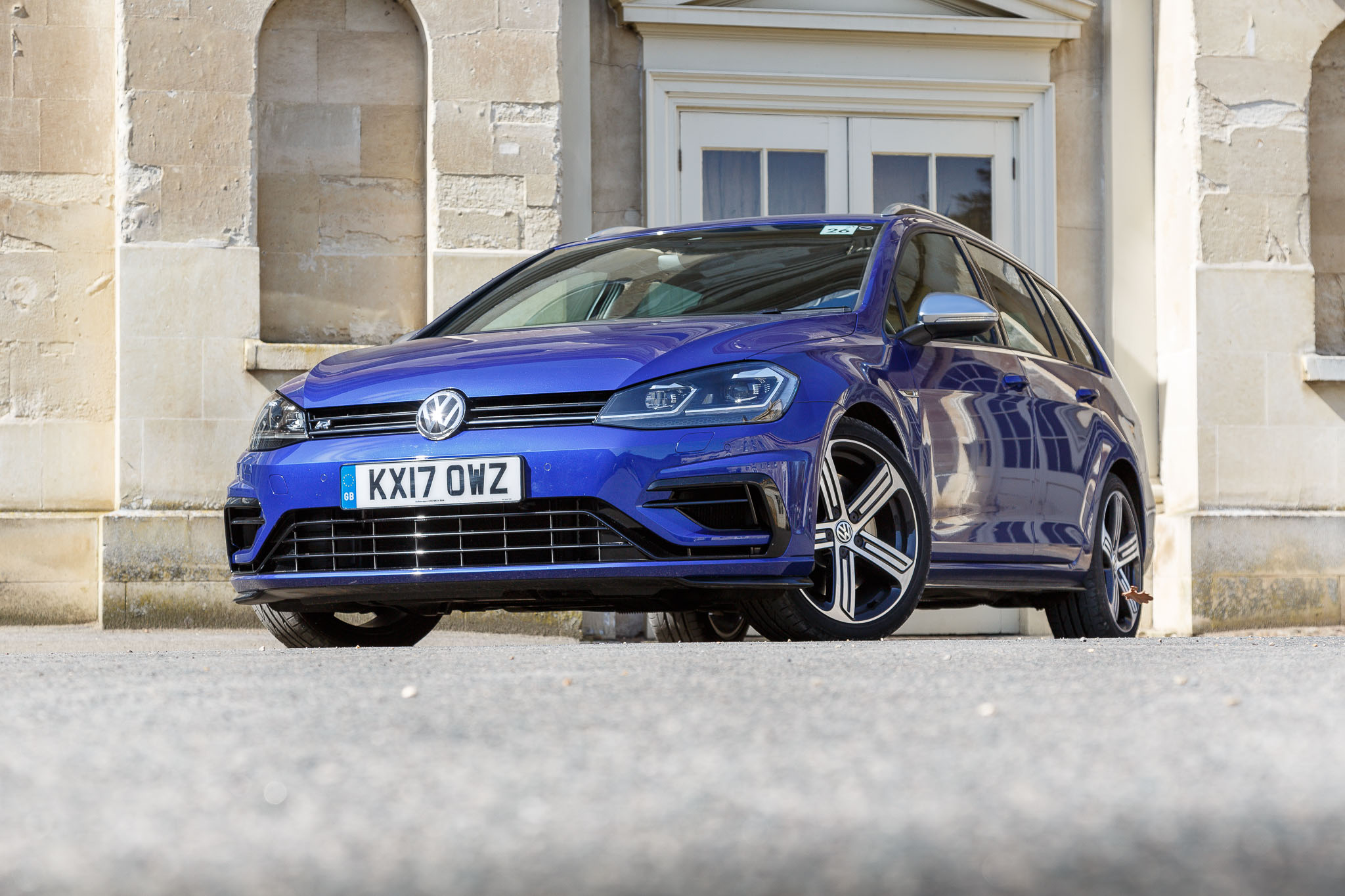 2017 volkswagen golf estate r review just magical. Black Bedroom Furniture Sets. Home Design Ideas