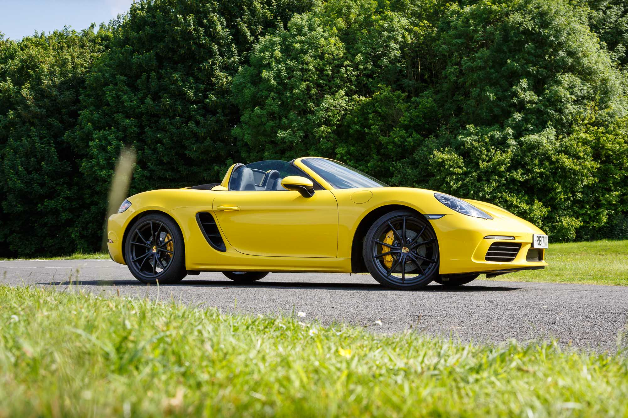 2017 porsche 718 boxster s review faultless fantastic and very fast. Black Bedroom Furniture Sets. Home Design Ideas