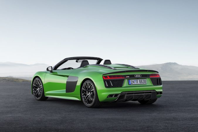 R8 Spyder V10 Plus rear