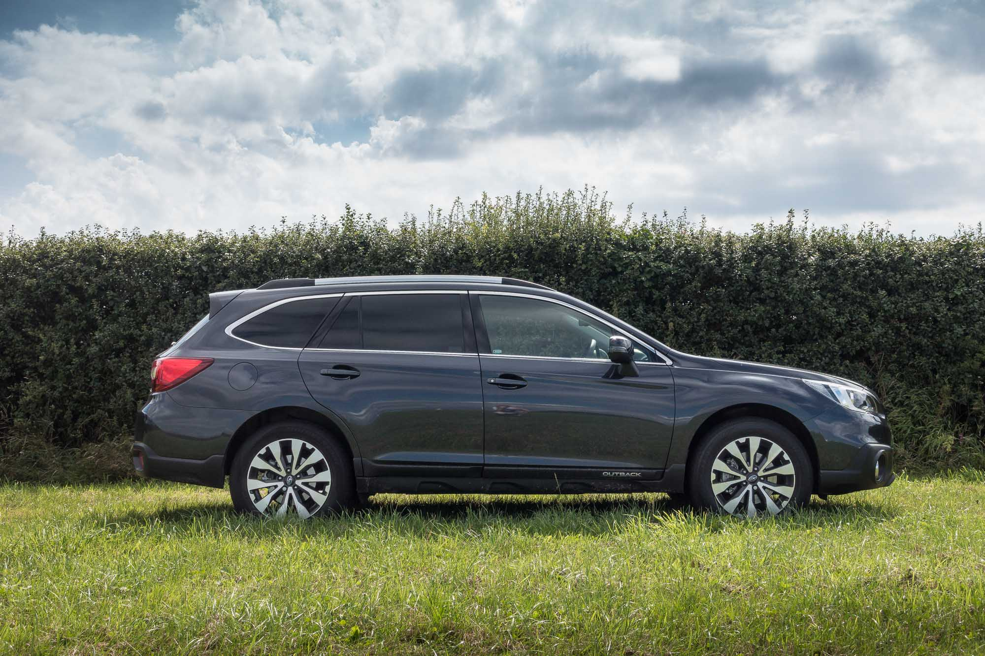2017 Subaru Outback Se Premium Lineartronic Gallery