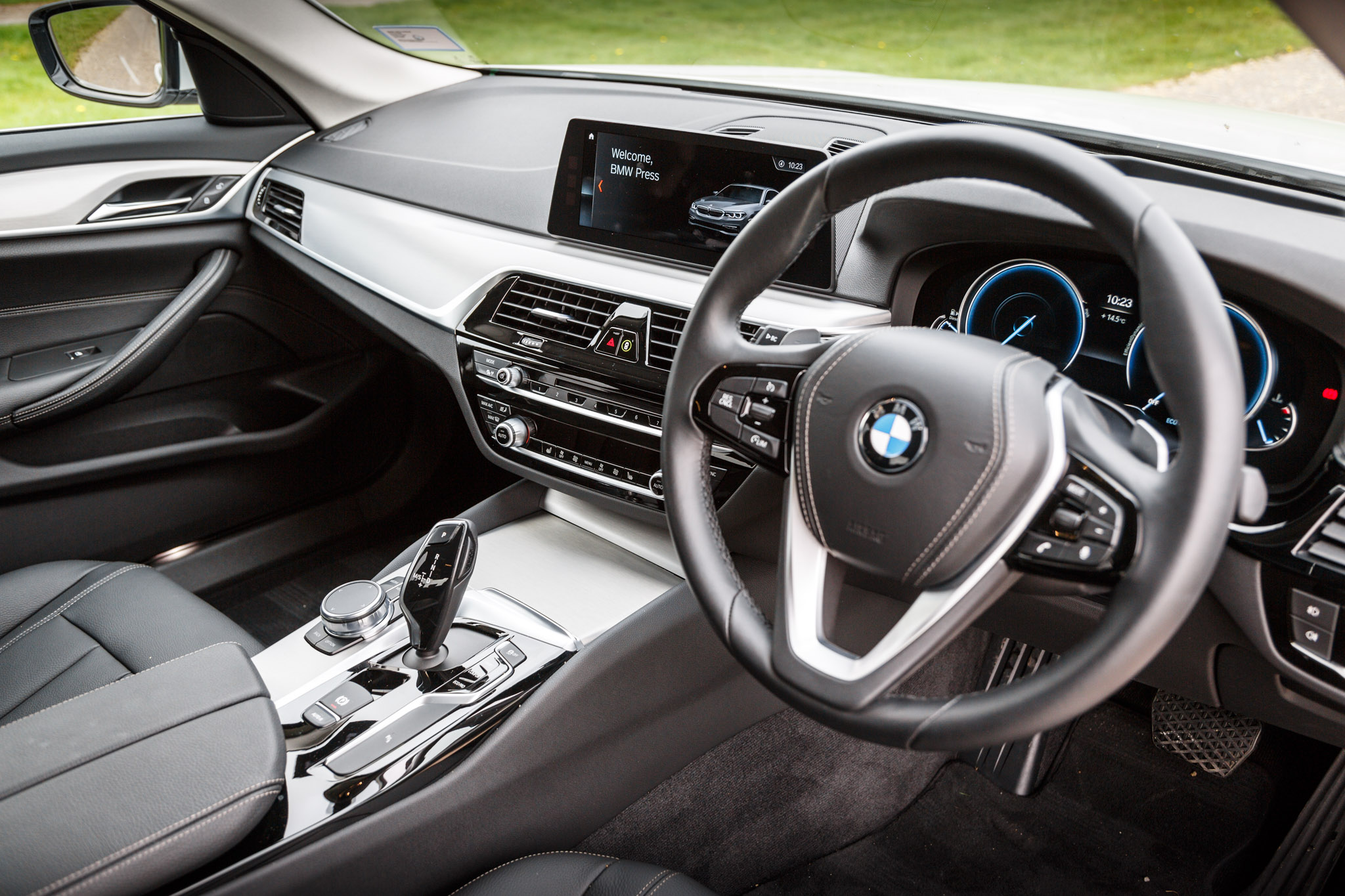 The Pros And Cons Of The New BMW 5-Series