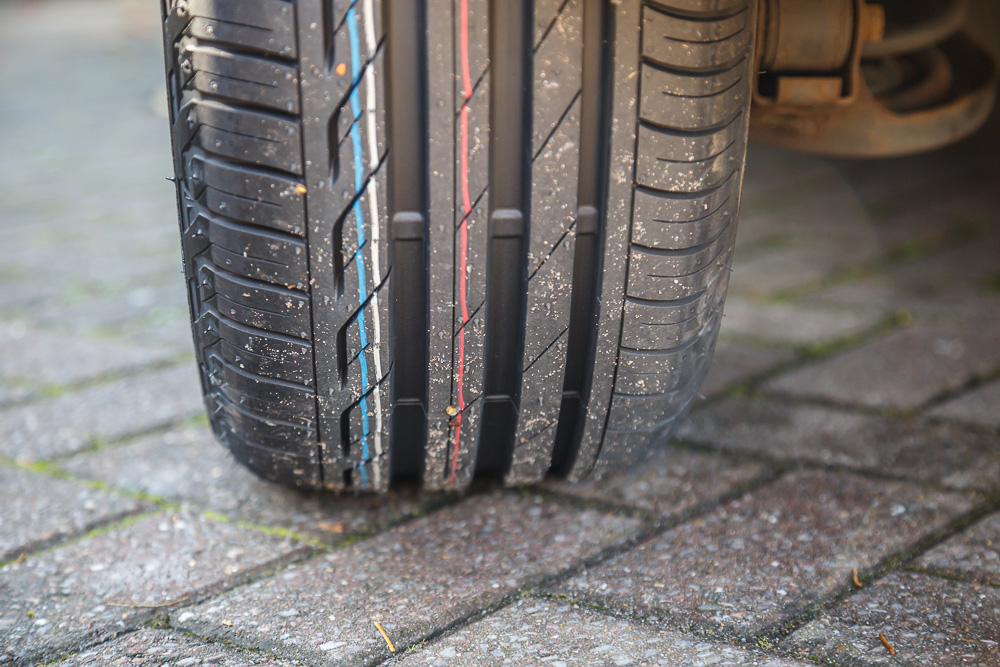 are car tyres directional
