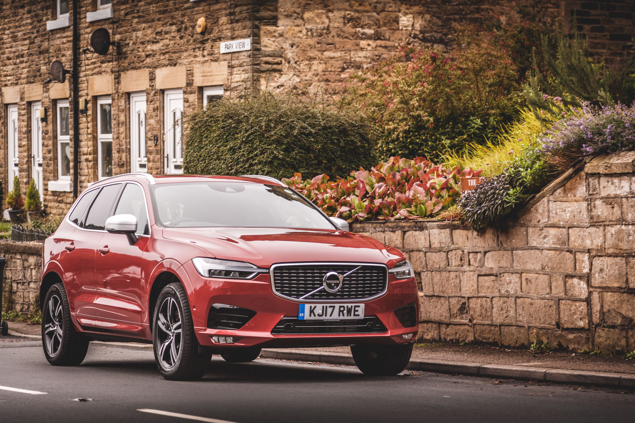 2017 Volvo Xc60 T5 Awd R Design Review Motor Verso