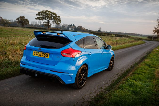 Ford Focus Rs The Gear Shifting Is Quick Although Clutch A Bit Blunt Moreover Turning Radius Not So Good That Means Making An U Turn Hard