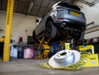 Textar Range Rover Fitting 10