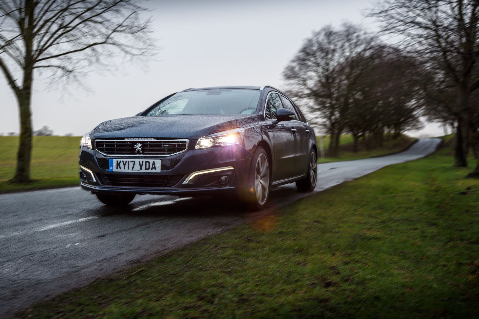 Poważnie Peugeot 508 SW GT Review - (A Very Modern & Efficient Diesel) ZS21