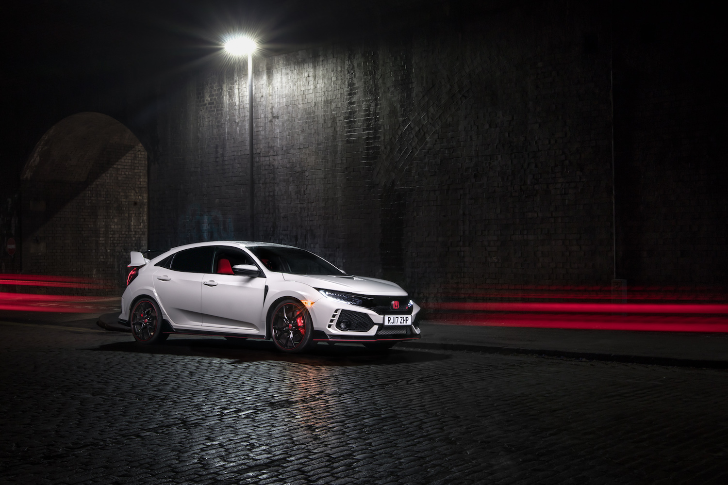 Honda Civic Type R FK8 Review - 2018 (0-60mph in 5.8 Secs / 169mph)