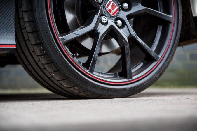 """Honda Civic Type R FK8 GT - Massive 20"""" alloy wheels with red highlight"""